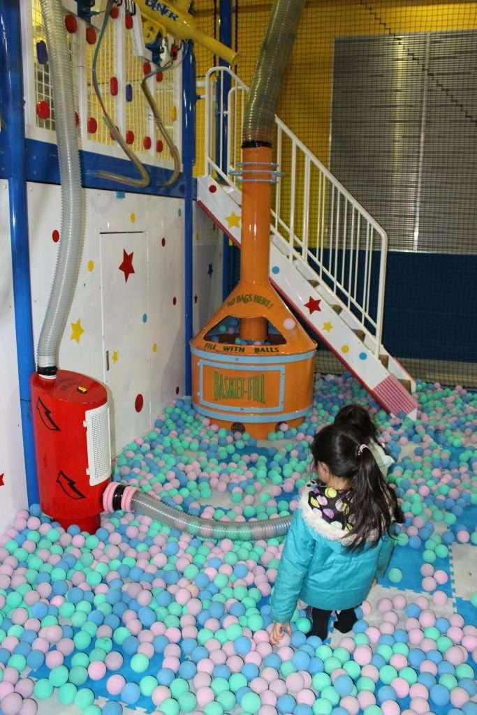 kids ball pool spocha