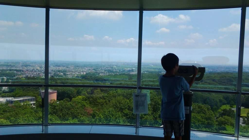 Looking for Tokyo Skytree which on a fine day is view-able from the Observation Tower of the Peace Museum of Saitama