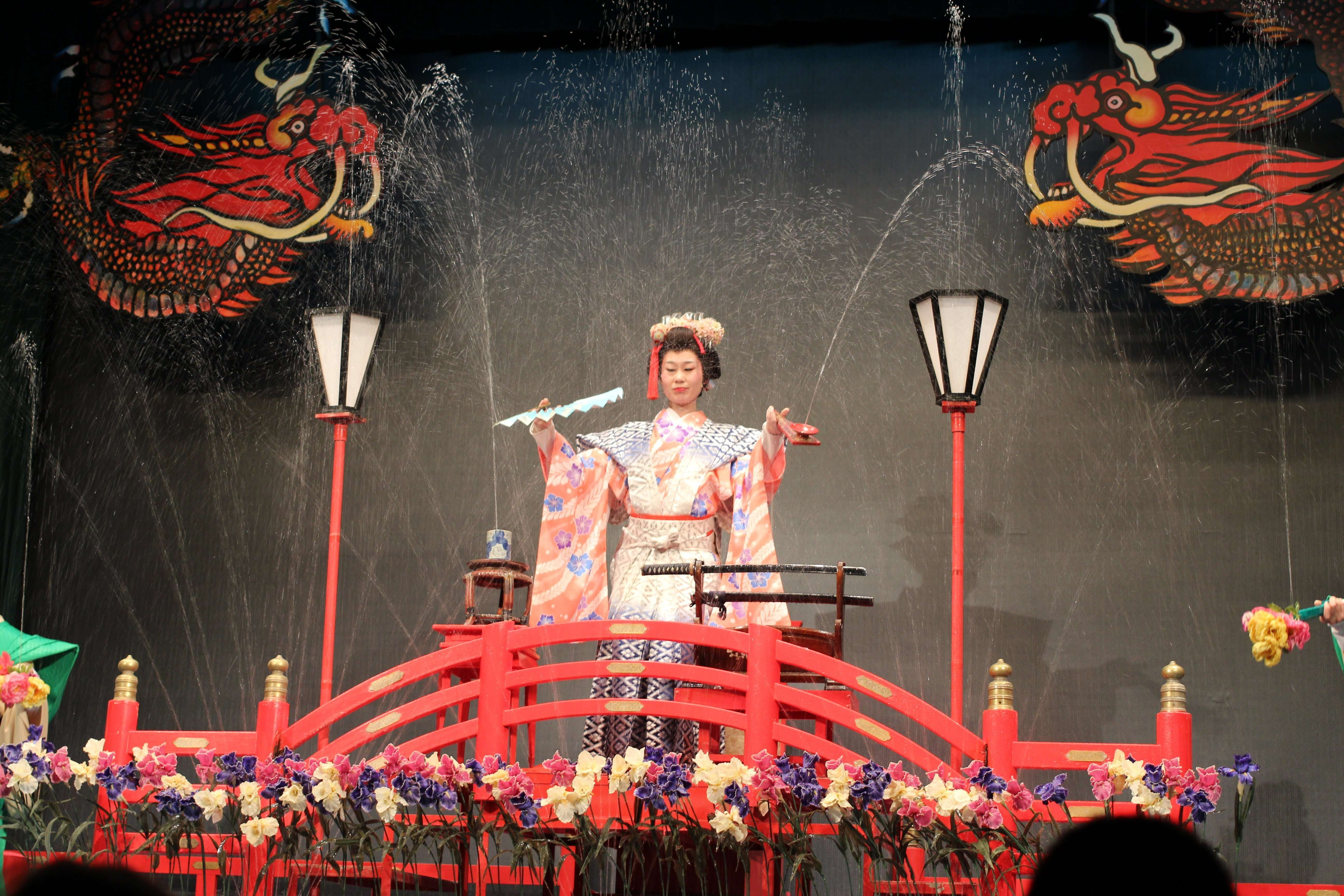 """""""Mizuge"""" magic water show performed frequently in onsen during Edo period"""