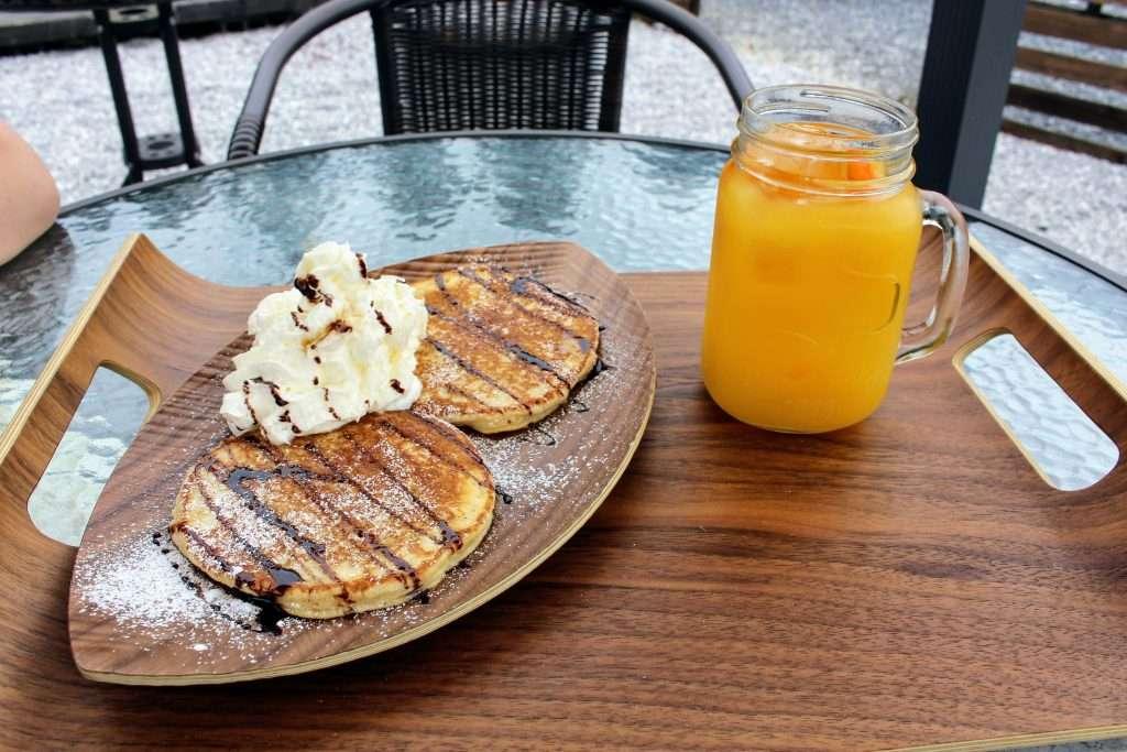 100% Orange juice and pancakes at Fukurou No Mori Ranzan