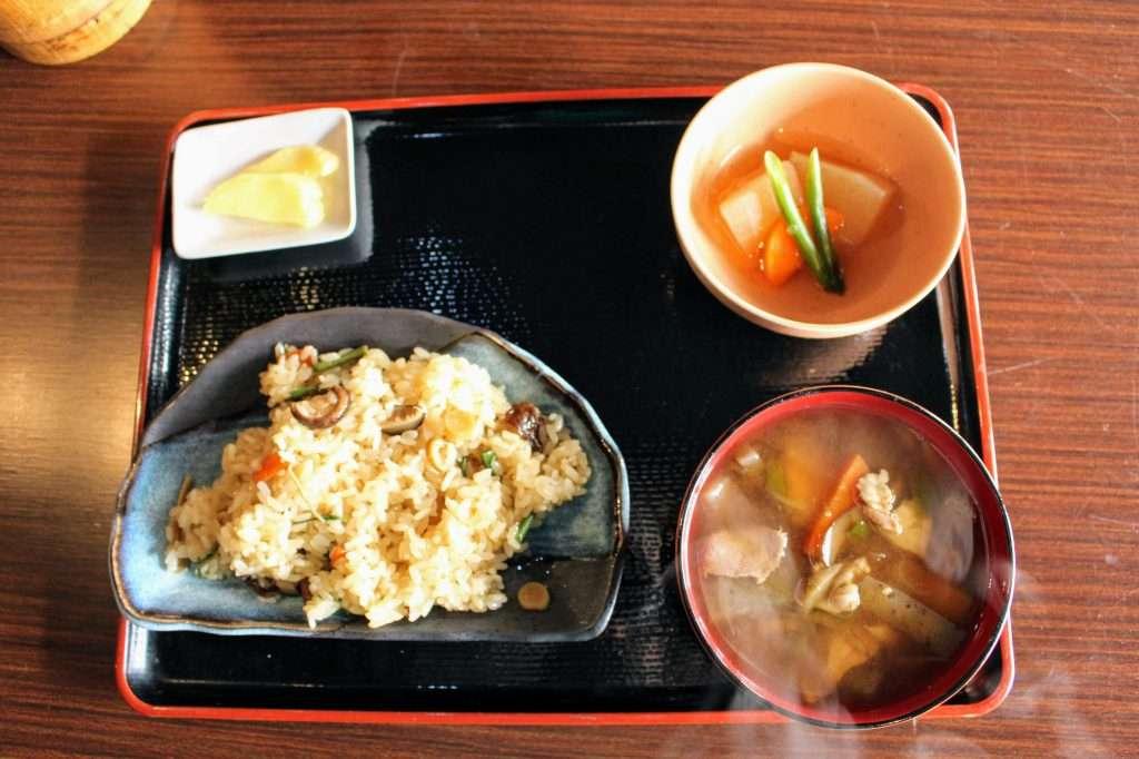 Lunch yoshida folk house