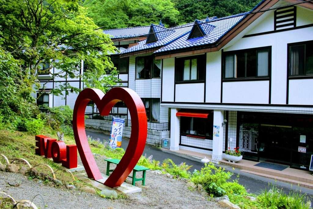 Kuroyama Kosenkan recently reopened as Cafe St Gallen at the Kuroyama Santaki; three waterfalls of Kuroyama