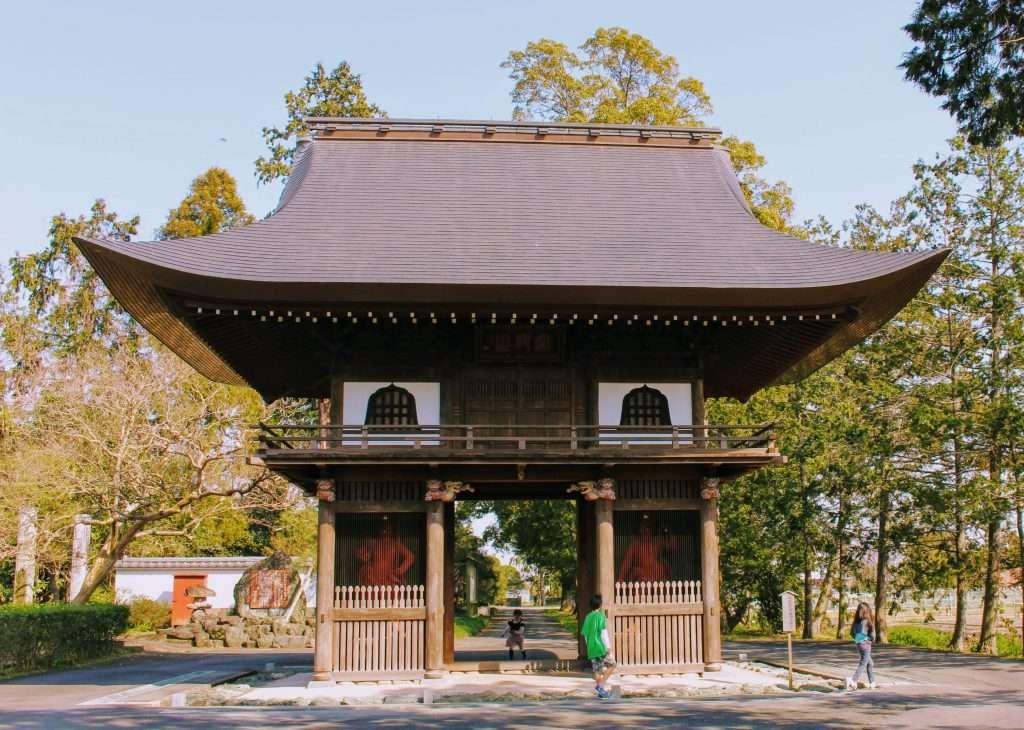 Nio Gate with nioman at kotokuji temple in Kawajima Town Saitama