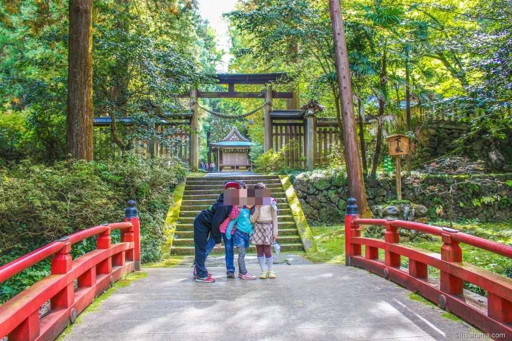 Kanasana shrine Kamikawa