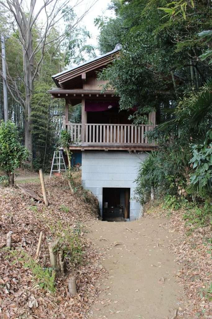 Shrine at Tokushoji Temple Ageo